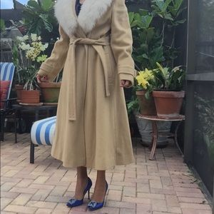 Jackets & Blazers - Vintage Coat!🎉🎉💯❤️